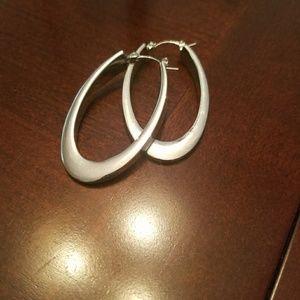 Jewelry - Beautiful Silver hoop earrings